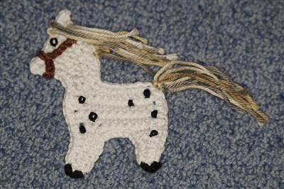 Horgolt ló